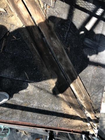 下屋根補修工事①